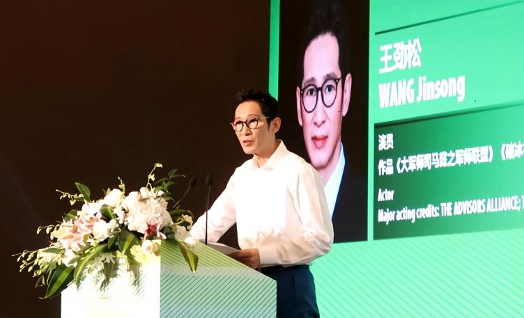 演员王劲松:什么时候演员背台词都要被夸奖了?多不要脸哪