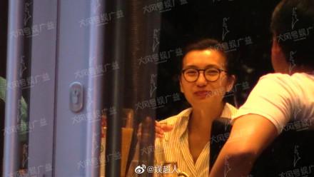 40歲陳好素顏與男性友人聚會,三胎兒子疑似曝光!