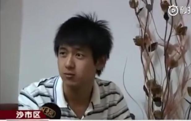 李19岁的高考进入了贝英的面试,被打烂了,老天爷就像林的更新一样,他妈妈教他做一个低调的人