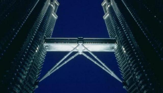 建筑大师西萨·佩里辞世,曾设计世界最高双子塔楼