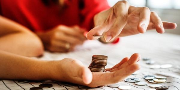 与大型企业相比,小企业的融资特点有哪些?