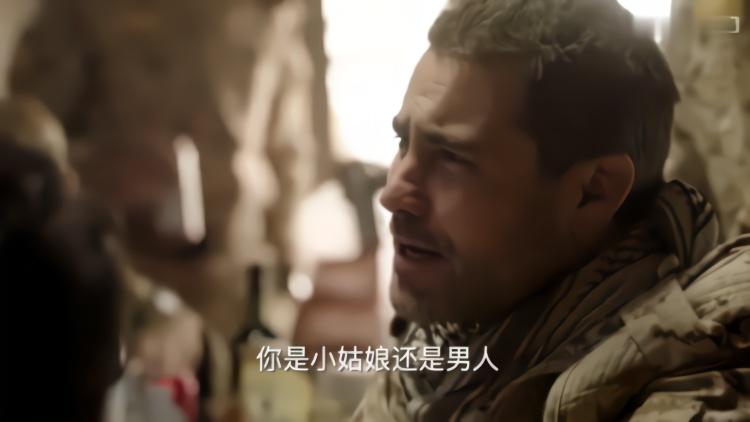 陆战:中国军人不喝酒,外军辱娘们,军人:怂鬼才喝酒你多喝点