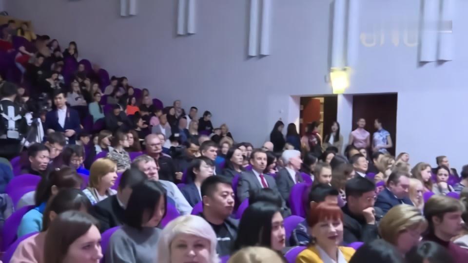 在白俄罗斯中国留学生举办新年音乐会祝福祖国