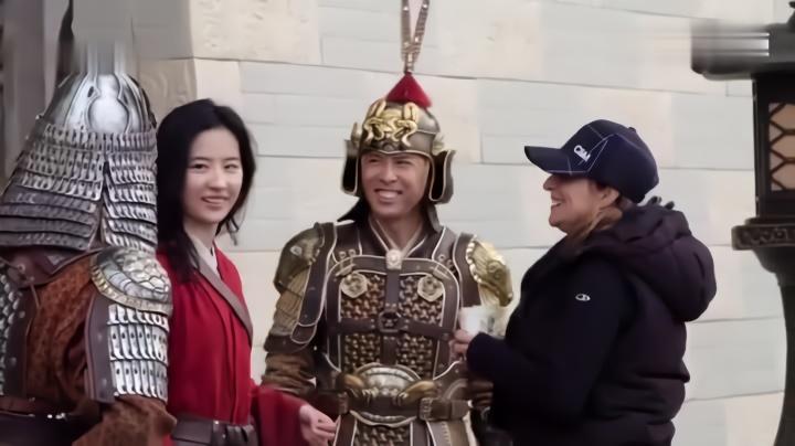《花木兰》全新幕后特辑 刘亦菲为电影做动作训练
