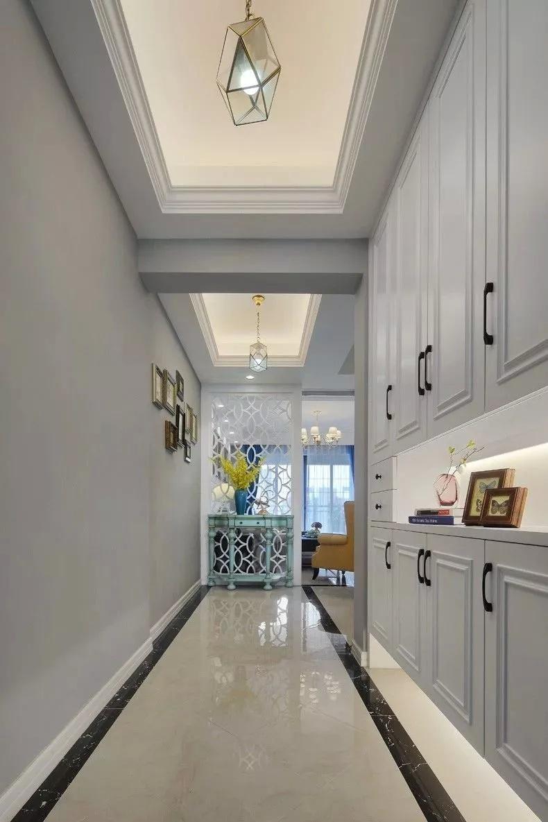 第一次去看朋友的新房,一看客厅这么漂亮,就被深深的吸引住了!