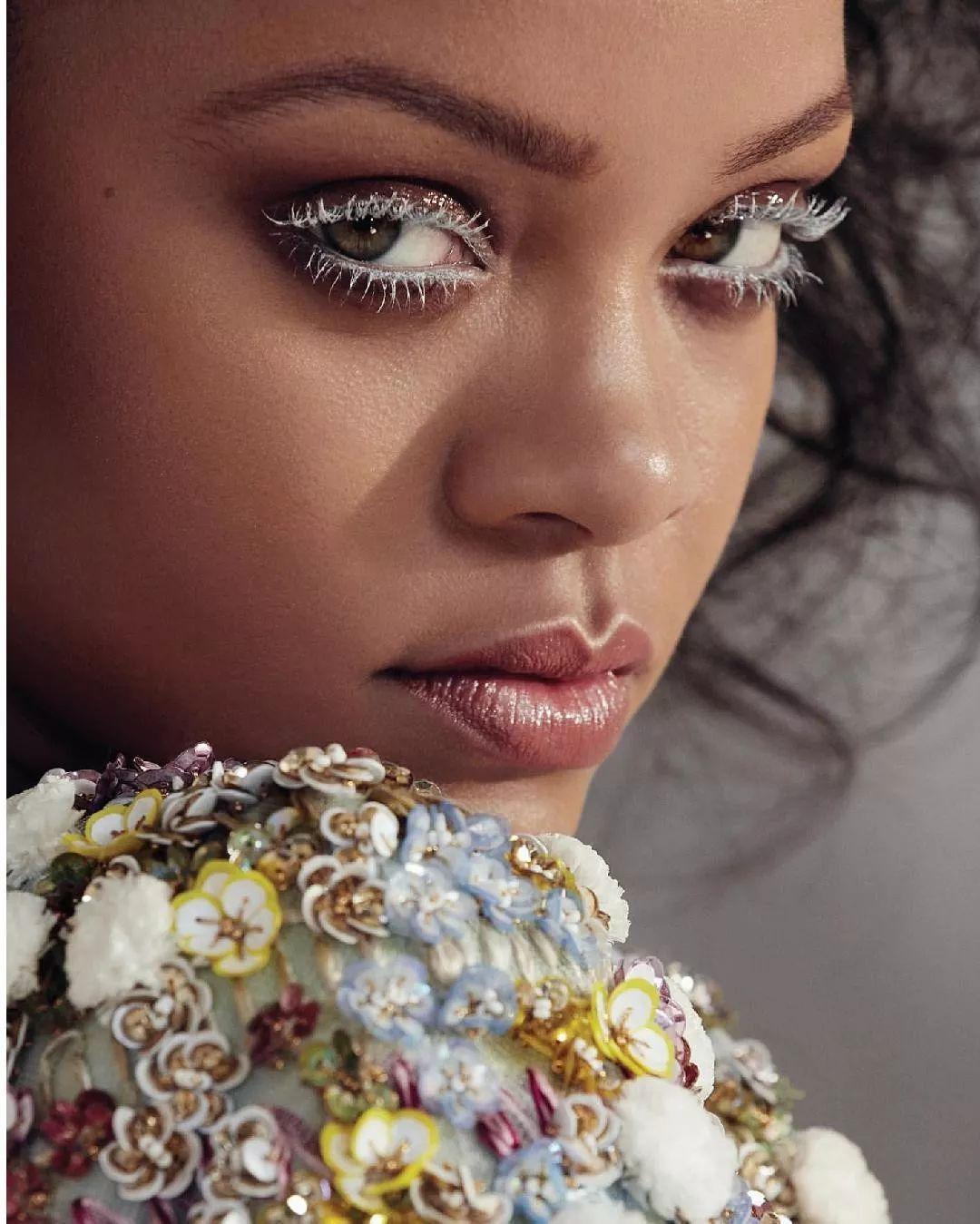 Rihanna个人奢侈品牌「FENTY」今日发售,快来迅速补充知识!
