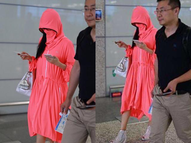一身粉重返,60岁的杨丽萍真是枚隐藏的时装精!
