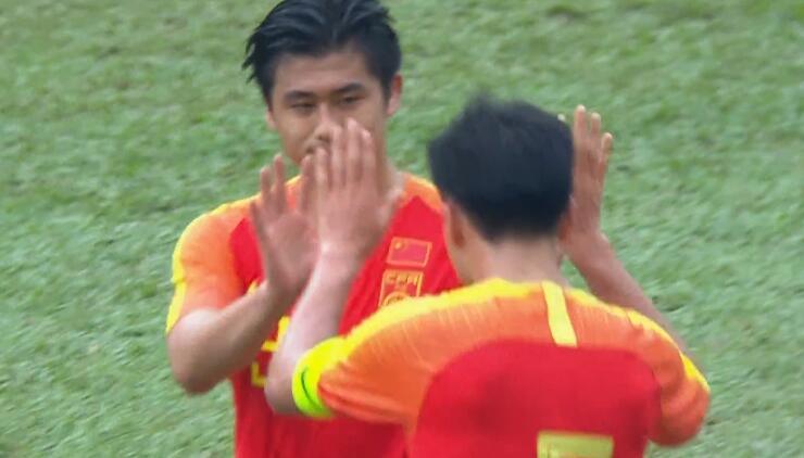 国足比赛 梅开二度!张玉宁破门,国奥8-0菲律宾
