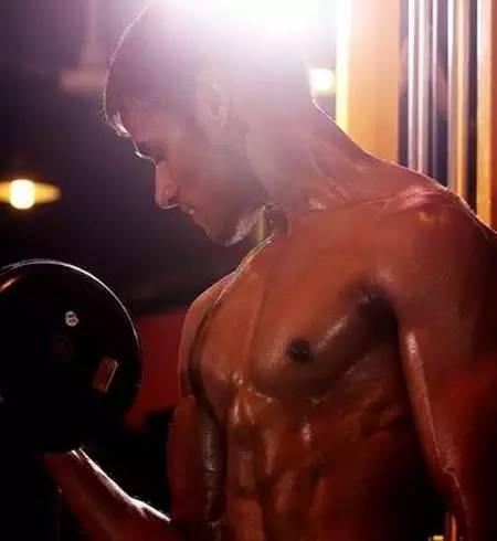 健身计划:一周增肌计划,快速锻炼出肌肉!