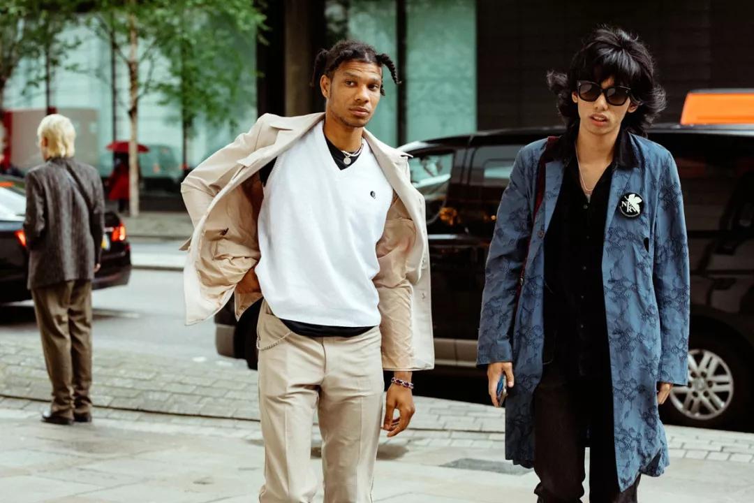 壁纸丨伦敦男装周最新街拍,你能认出几件单品?