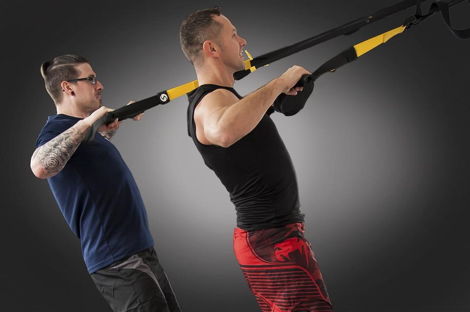 怎么锻炼背部肌肉?坚持练这4个动作,塑造出背部肌肉线条!